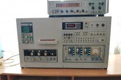 Лабораторний стенд з частотміром Ч3-34