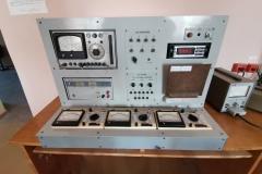 Універсальний лабораторний стенд для вивчення електронних приладів