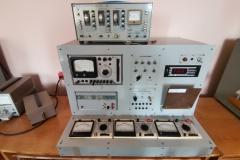 Універсальний лабораторний стенд для вивчення електронних приладів та генератор імпульсів